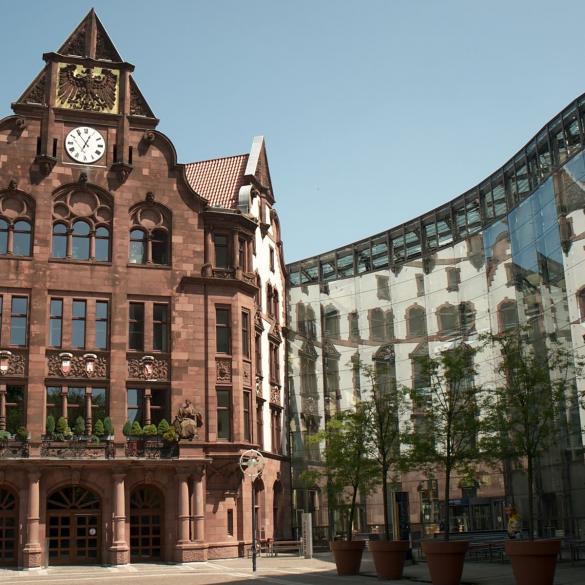 Zeitreise durch die Stadtgeschichte - In 60 Minuten durch die Dortmunder Epochen -  Dortmund ist über 1200 Jahre alt! Es gibt viel zu sagen, viel zu erzählen und bei genauerem Hinsehen auch einiges zu zeigen.   Von der...