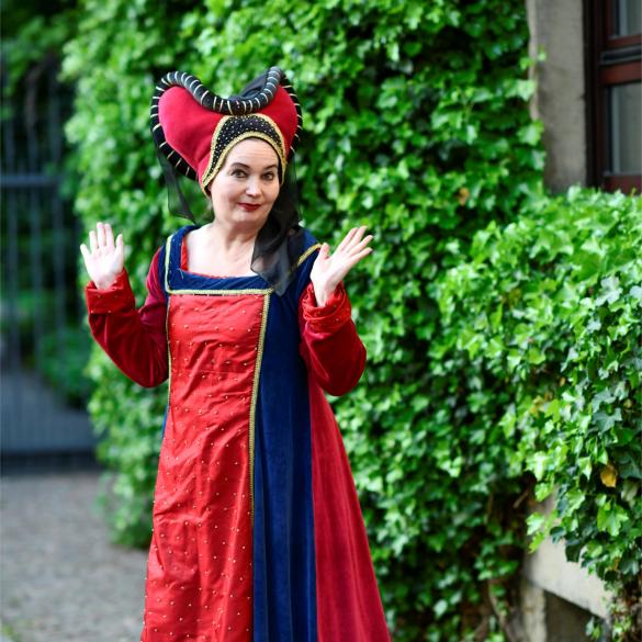 Charlotte von Ascheberg kennt sich aus mit Westfälischen Märchen und Dortmunder Sagen. Als Erzählerin weiß sie zu berichten von den Geheimnissen...