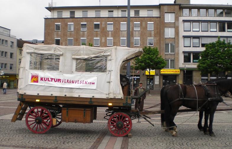 Stadttour mit Pferd & Wagen    Reisen & Feiern wie zu Kaisers Zeiten   [ mehr Infos ]...