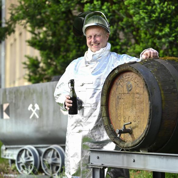 Der Rheinisch-Westfälische Industriebezirk hat seinen Ursprung in dem Dreiklang von Kohle, Stahl & Bier. Im Pott hat es geraucht, gedampft und...
