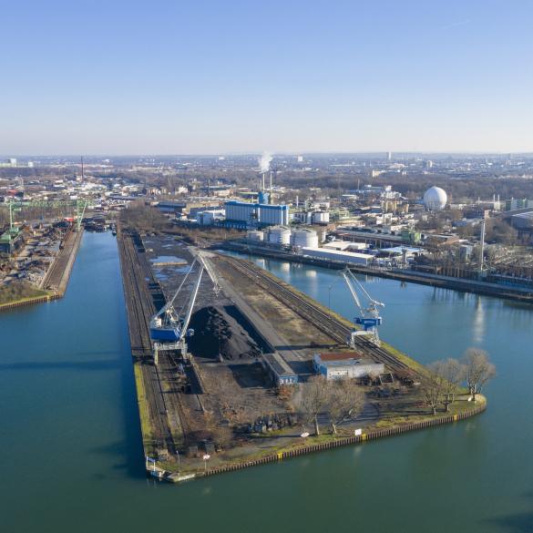 Wanderung & Besichtigung: Hafen Dortmund - Auf zu neuen Ufern -  Das Hafenquartier startet in eine neue Zeit. Digitalcampus, Port Tower und Heimathafen.   Nach der Kurzführung durch das über 120jährige Alte...
