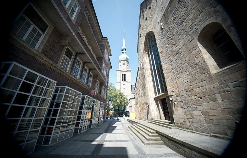 Der Jakobsweg in Westfalen! Weltkulturerbe mitten in Dortmund. Kommen Sie mit auf einen kleinen Gang durch die City, innerhalb der ehemaligen...